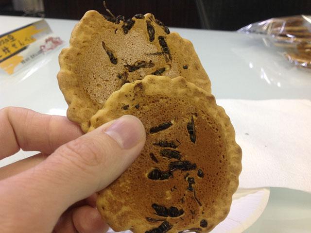 Người nước ngoài sợ chết khiếp còn người Nhật lại thích mê loại bánh này - 1