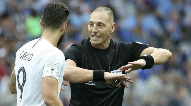 """""""Vua áo đen"""" bắt chung kết World Cup: Pháp run sợ mất cúp, Croatia mừng húm - 1"""