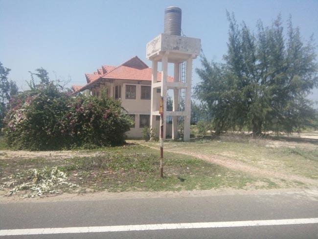 """Thành phố resort """"ma"""" bỏ hoang ven biển Bình Thuận - 1"""