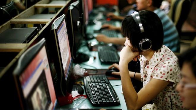 Cô gái sống ở quán Internet suốt 10 năm, bố mẹ tưởng đã chết - 1