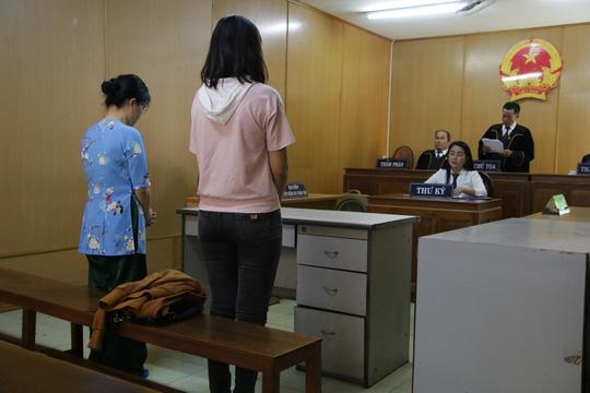 """""""Phát lương"""" cho tiếp viên bán dâm, 2 nhân viên khách sạn khốn khổ - 1"""