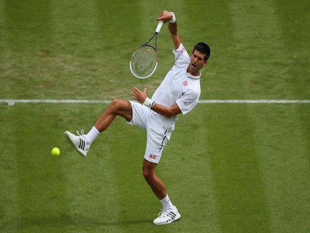 """Clip hot Wimbledon: Djokovic vung """"búa tạ"""", Nadal xây xẩm"""