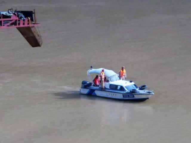 Lật thuyền chở 10 người ở Lai Châu: Nạn nhân là họ hàng