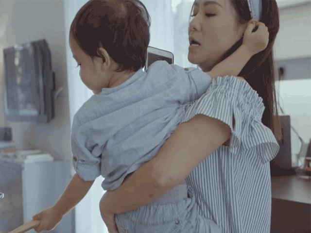 Thu Minh khoe con trai sau gần 3 năm giấu kín