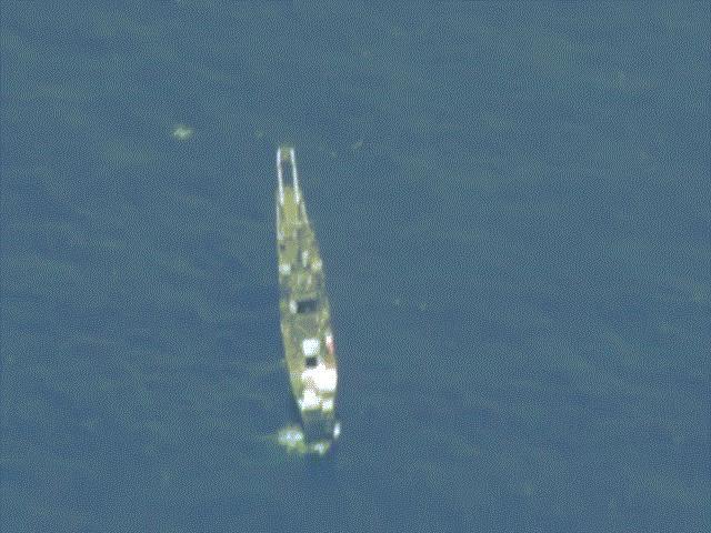 Mỹ và đồng minh phóng tên lửa đánh chìm tàu chiến trước mắt TQ