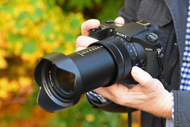 Những chiếc máy ảnh siêu zoom đáng giá nhất hiện nay - 1