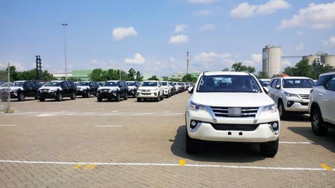Xe Toyota Fortuner 2018 đã về Việt Nam, giá khoảng 1,45 tỷ đồng - 1