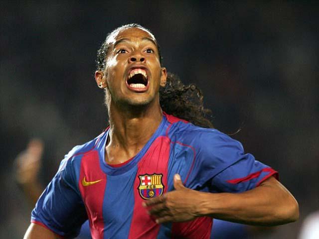 15 năm Ronaldinho về Barca: Đôi chân ma thuật khôi phục đế chế