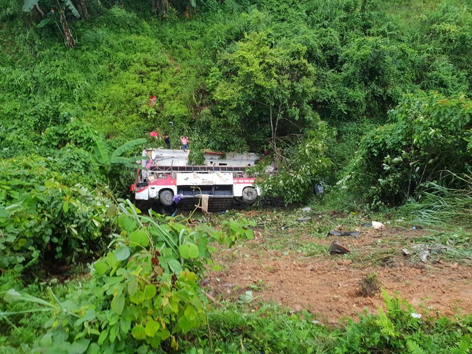 Vụ xe khách lao xuống vực ở Cao Bằng: Tình tiết bất ngờ trước thời điểm gặp nạn - 1