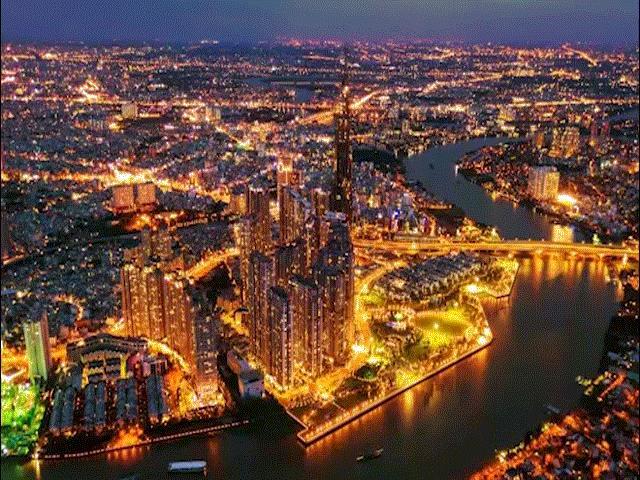 """Tòa nhà """"chọc trời"""" cao nhất Việt Nam đẹp lung linh về đêm"""