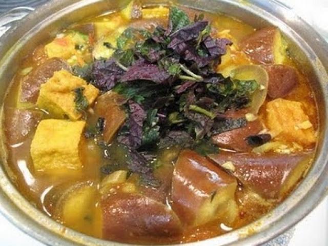 Tuyệt chiêu nấu cà bung với thịt ba chỉ đậm đà mà ngon cơm