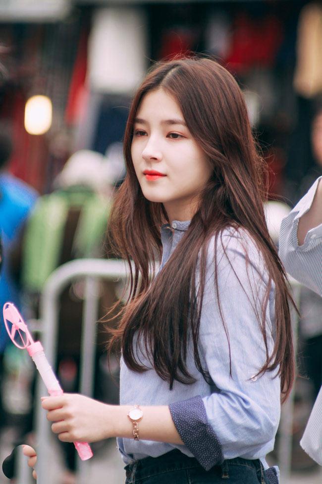 Trong chuyến du lịch Việt Nam vào tháng 1/2017, cô gái Hàn Quốc- Nancy bất ngờ trở thành tâm điểm chú ý của cộng đồng mạng Việt.