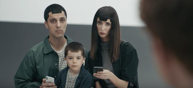"""Samsung tiếp tục tung 3 video """"dìm"""" iPhone X - 1"""