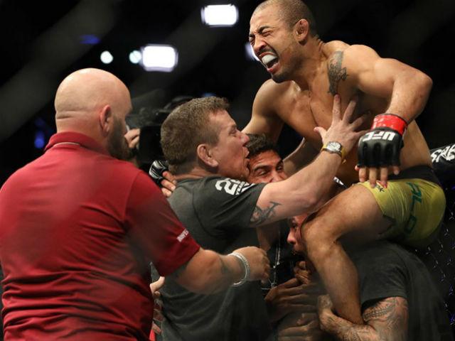 Kỳ tích UFC: Thần quyền trúng chỗ hiểm, giãy giụa đo ván toàn diện
