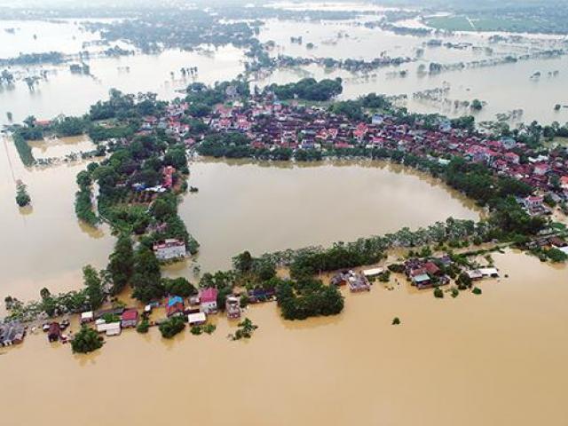 """Vì sao không """"vỡ đê có kế hoạch"""", ngoại thành Hà Nội lại lụt nặng hơn năm 2017?"""