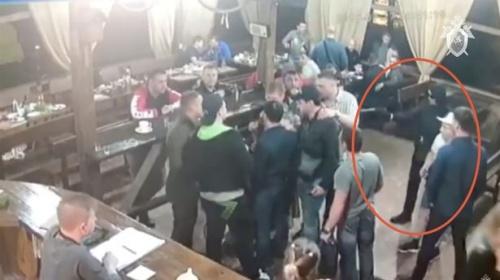 Video: Trùm mafia Nga bị bắn chết trong bữa tiệc mừng ra tù - 1