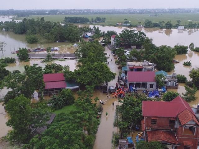 Toàn cảnh ngập lụt kinh hoàng ở Chương Mỹ nhìn từ flycam