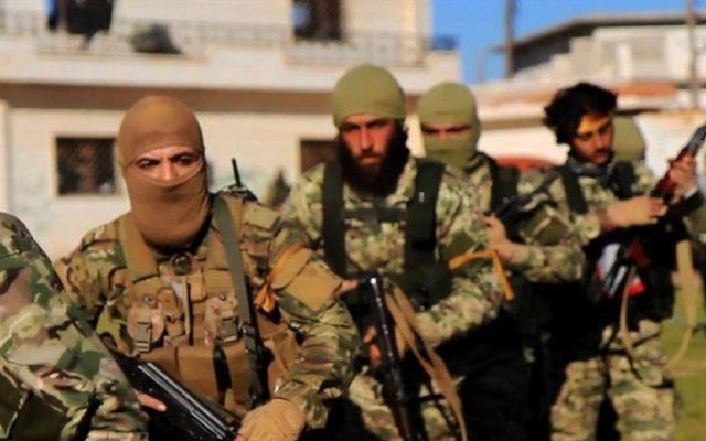 150 chiến binh IS hốt hoảng nộp mạng cho quân đội Afghanistan - 1