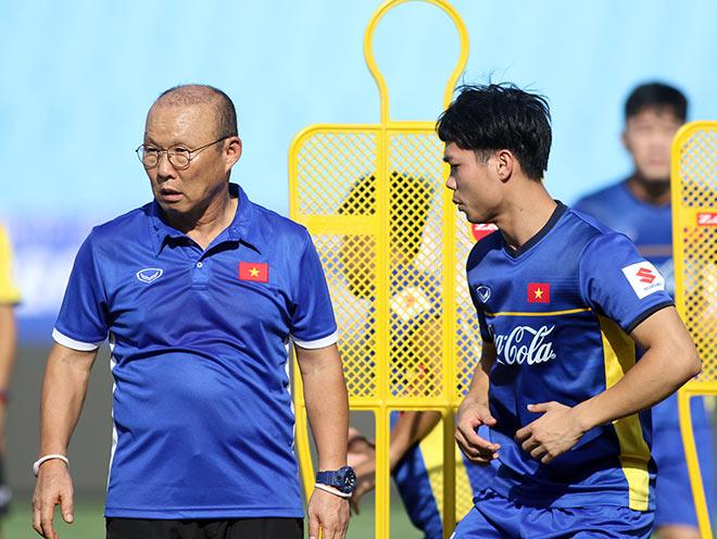 HLV Park Hang Seo làm dàn sao U23 VN choáng trước giờ xung trận - 1