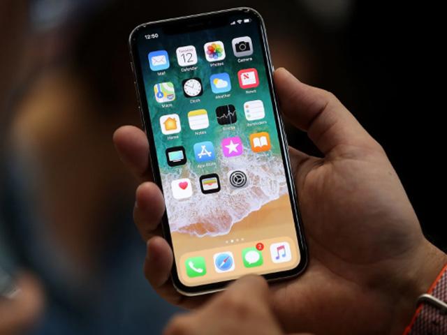 CEO Tim Cook nói gì khi Apple trở thành công ty nghìn tỷ USD