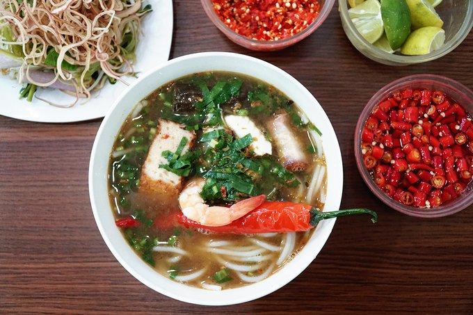 Quán bún mắm, bún thịt nướng có thâm niên trên 20 năm ở Sài Gòn - 1