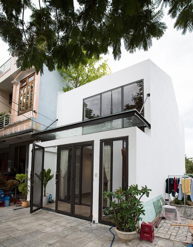 Căn nhà rộng 100m2 này tọa lạc tại Hòa Xuân, Đà Nẵng – thành phố đáng sống nhất Việt Nam.