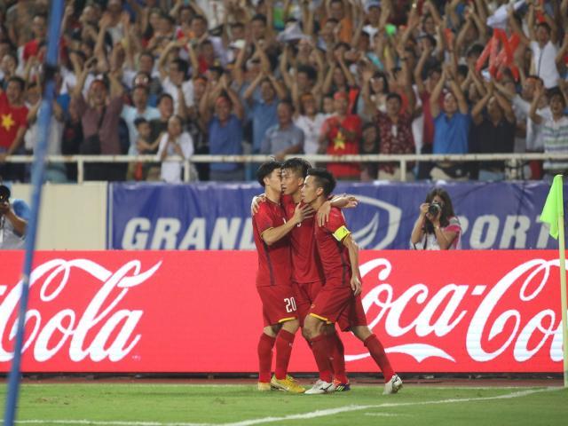 """U23 Việt Nam: Văn Đức """"xé lưới"""" Uzbekistan tựa Xavi - Messi của Barca"""