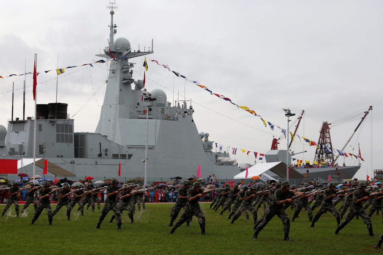 """""""Lá chắn thần"""" Type 052D mới được Trung Quốc hạ thủy có gì đặc biệt? - 1"""