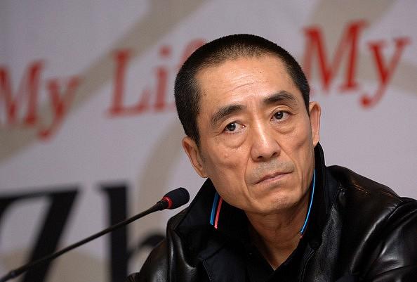"""10 năm sau """"cú lừa cả thế giới"""", Trương Nghệ Mưu nghẹn ngào lên tiếng - 1"""