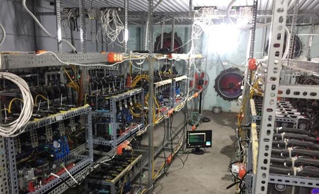 Máy đào tiền ảo Bitcoin bất ngờ ngưng nhập về TP.HCM - 1