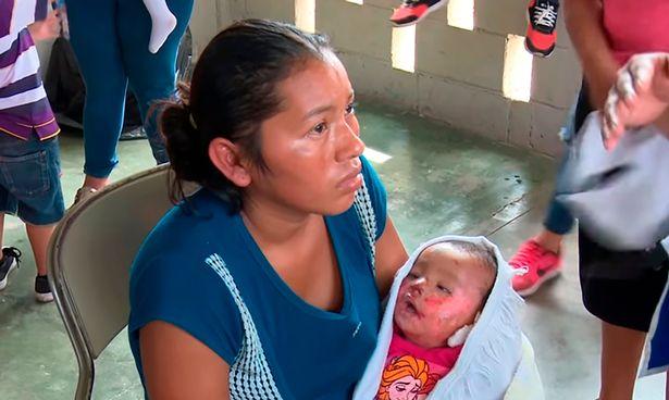 Honduras: Chuẩn bị làm tang lễ, mẹ nhận ra con gái vẫn thở - 1