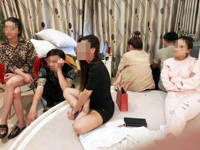 """Nhiều cô gái """"thác loạn"""" với nhóm thanh niên trong khách sạn ở Sài Gòn"""