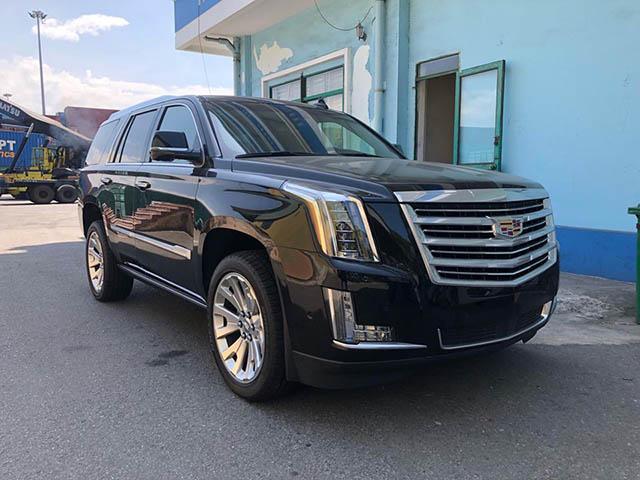 """Cadillac Escalade 2018 đầu tiên """"cập cảng"""" Việt Nam"""