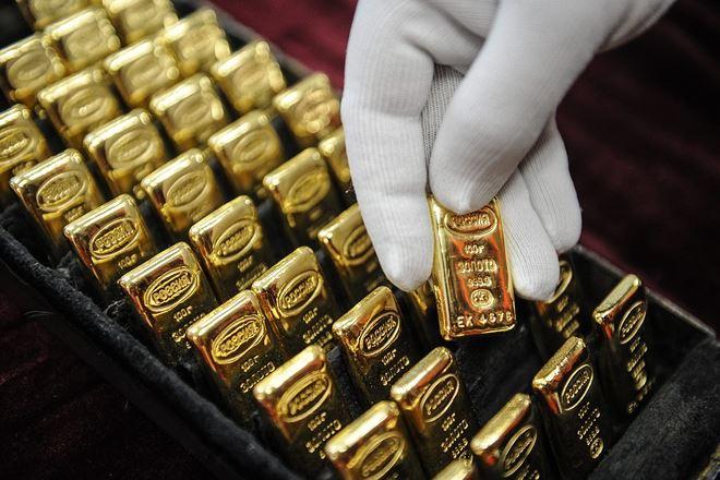 Giá vàng hôm nay 13/8: USD bị mua mạnh, vàng vẫn chật vật - 1