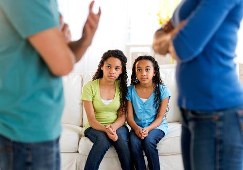 Chứng kiến bố mẹ tranh cãi nhau giúp con trở nên sáng tạo hơn - 1