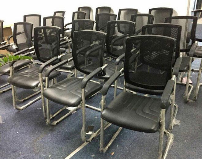 Dịch vụ thanh lý bàn ghế văn phòng mang lợi ích cho nhiều doanh nghiệp - 1