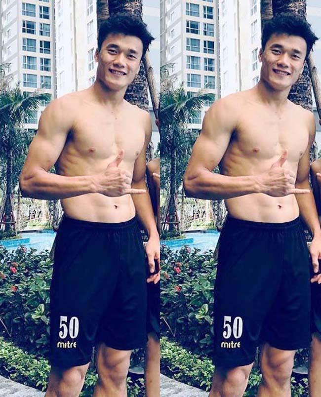 Ngoài tập luyện chuyên môn, anh còn thường xuyên đi bơi, vận động thể thao để có thể lực tốt, dáng vóc đẹp mắt.