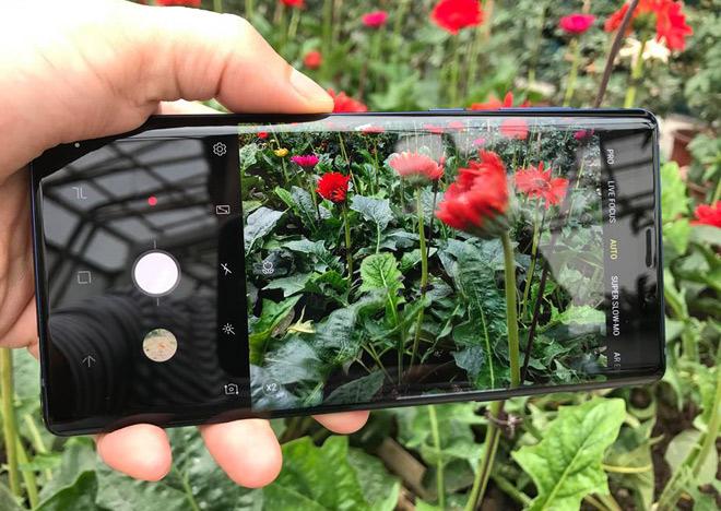 Mổ xẻ camera sau kép của Galaxy Note 9: Khó tìm nhược điểm - 1
