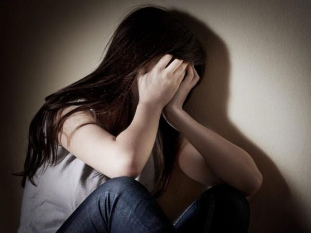 Cô bé 13 tuổi bị nhóm thanh niên hiếp dâm sau cuộc vui ở quán bar