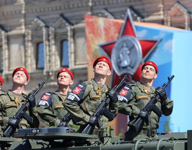"""""""Ngứa mắt"""" với NATO, 30 vạn lính Nga, nghìn máy bay tập trận rầm rộ - 1"""