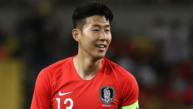 """2 cô bồ bốc lửa của """"Ronaldo Hàn Quốc kiếm 2,5 tỷ/tuần"""" - 1"""