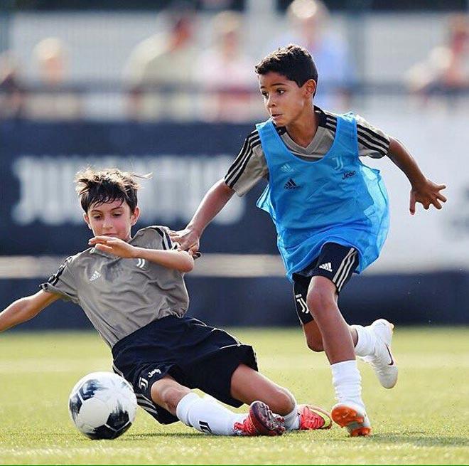 "Tin HOT bóng đá tối 29/8: Ronaldo ""con&#"