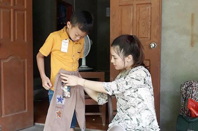 Cô giáo trẻ xinh đẹp với tấm lòng nhân hậu khiến nhiều người ngưỡng mộ.