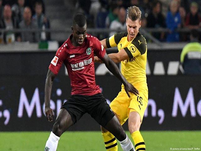 Hannover - Dortmund: Đôi công nghẹt thở, đánh chiếm ngôi đầu