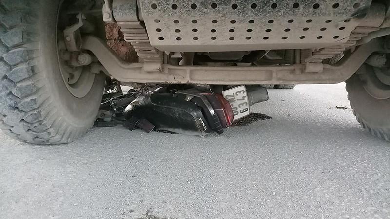 Kinh hoàng khoảnh khắc ngã vào bánh xe ben bị cán chết - 1