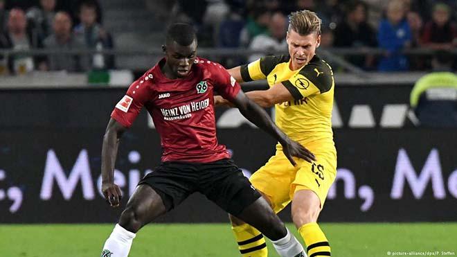 Hannover - Dortmund: Đôi công nghẹt thở, đánh chiếm ngôi đầu - 1