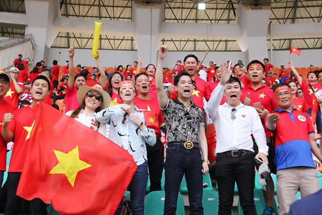 Ngọc Sơn thưởng đội U23 Việt Nam 250 triệu sau trận thua UAE - 1