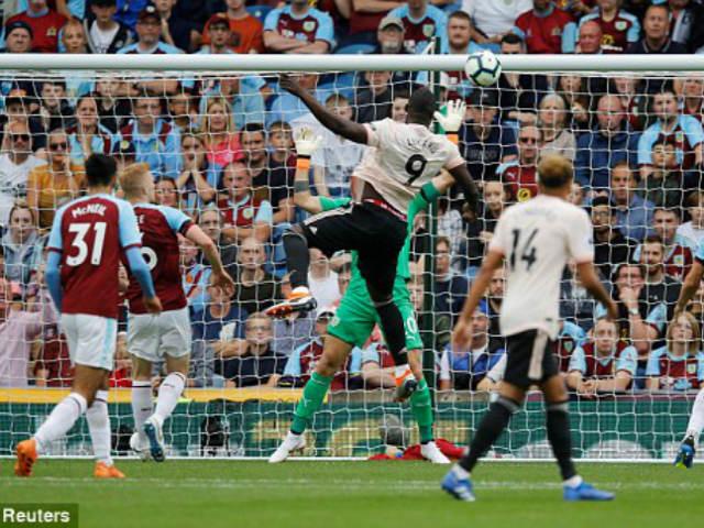 Video, kết quả bóng đá Burnley - MU: Tấn công mãn nhãn, trừng phạt lạnh lùng (H1)