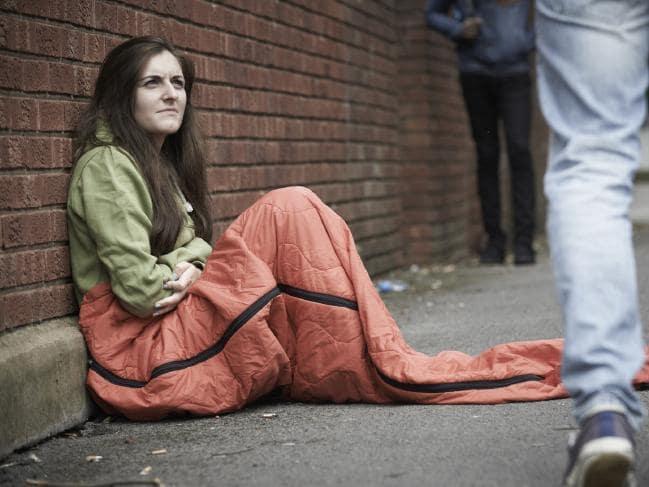 """Tình cảnh """"đổi dâm"""" lấy chỗ náu thân của phụ nữ vô gia cư Úc - 1"""