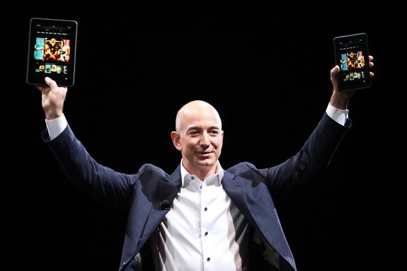"""""""Ông lớn"""" nào vừa trở thành công ty thứ hai đạt giá trị 1000 tỷ USD? - 1"""